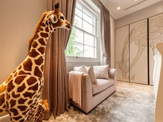 Luxury North London family home Moderne Schlafzimmer von Camouflage Modern