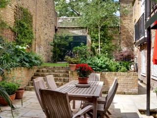 Barnsbury Park ReDesign London Ltd Classic style balcony, veranda & terrace