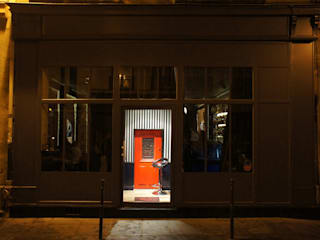 Little Red Door: Bars & clubs de style  par Ecce Gusto