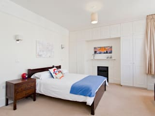 Richmond: classic Bedroom by Clermont Carpentry