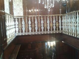 Couloir, entrée, escaliers tropicaux par DEKODİZAYN pirinç mob. dek. ltd. şti. Tropical