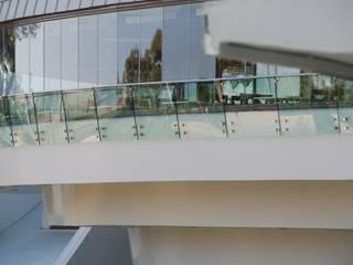 Couloir, entrée, escaliers coloniaux par DEKODİZAYN pirinç mob. dek. ltd. şti. Colonial