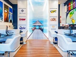 Locaux commerciaux & Magasins de style  par Roesler e Kredens Arquitetura