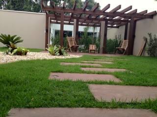 Jardim Espelhado Jardins modernos por Jaqueline Domingos - Arquitetura e Interiores Moderno