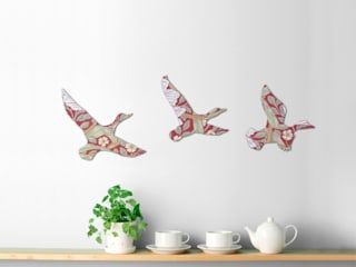 William Morris Wallpaper Wooden Ducks Set od Ava & Bea Eklektyczny