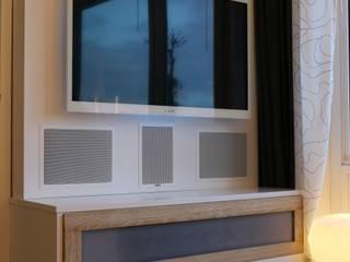 TV / Audio Schrank :   von Tofino Design Holzmanufaktur Philipp Narloch