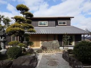 Дома в классическом стиле от (株)ハウスインフォ Классический
