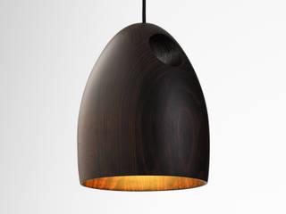 Ross Gardam OAK dębowa lampa wisząca  z ręcznie klejonego drewna: styl , w kategorii  zaprojektowany przez ilumia.pl