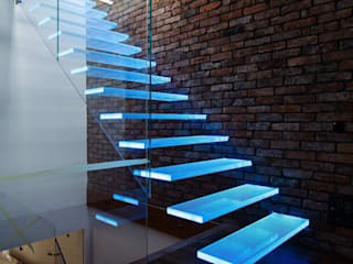 modern Corridor, hallway & stairs by KAISER Schody Sp. z o.o.