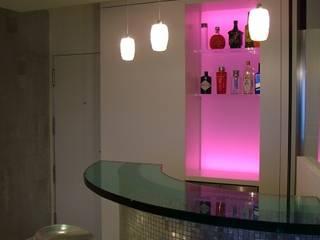 APARTAMENTO EN SITGES (BARCELONA) RIART I ASSOCIATS Salones de estilo minimalista