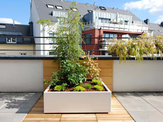 Custom planters IMAGE'IN - Designing of a private terrace in Luxembourg de ATELIER SO GREEN Moderno