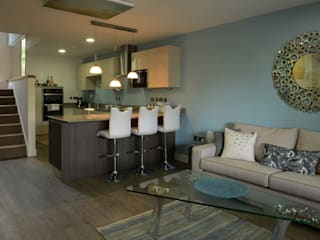 'The Edge' Showhouse at the Lincolnshire Showground, designed for Gusto Homes. Modern kitchen by KAS Interior Design Modern