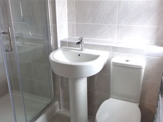 Ensuite Shower:   by Coventry Bathrooms