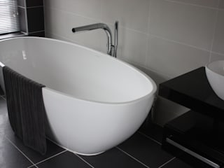 Bath & Basin 2:  Bathroom by Daman of Witham Ltd