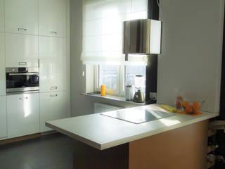 Nowoczesne mieszkanie Nowoczesna kuchnia od Inspiration Studio Nowoczesny