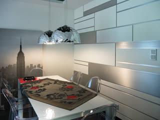 Sala da pranzo moderna di Inspiration Studio Moderno