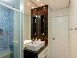 Apartamento Bom Retiro - 100m² Banheiros minimalistas por Raphael Civille Arquitetura Minimalista