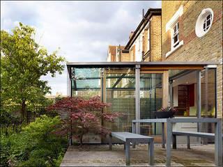 Quadruple 4-Cube Room : modern  by Andrew Pilkington Architects & Designers, Modern