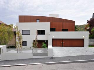 Rumah Modern Oleh zone architekten Modern