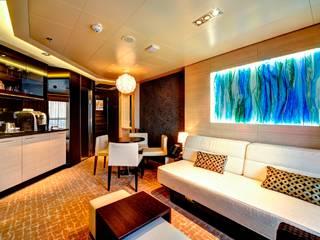 Suite Livingroom: moderne Wohnzimmer von AIP Innenprojekt GmbH