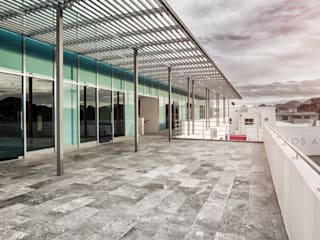 Minimalist commercial spaces by ARQUITECTURA EN PROCESO Minimalist