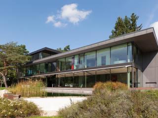 Black Pearl Minimalistische Häuser von Architekt Zoran Bodrozic Minimalistisch