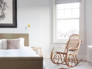 PG Residence deDraft Ltd Camera da letto in stile scandinavo