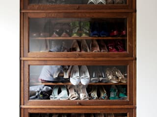 Closet Space by homify Modern