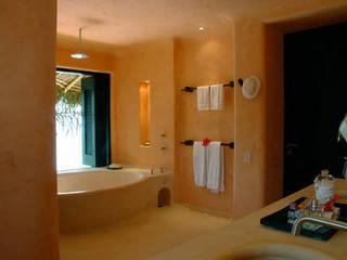 Casa Mis Amores Baños tropicales de BR ARQUITECTOS Tropical