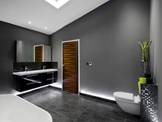 Bathroom by Lisa Melvin Design