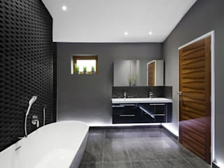 Rock Star Bathroom Modern style bathrooms by Lisa Melvin Design Modern
