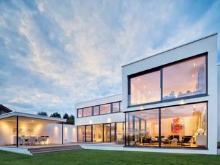 by Schiller Architektur BDA Сучасний