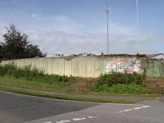 Betonmauer Firmengelände vorher:   von ATELIER FÜR WANDMALEREI