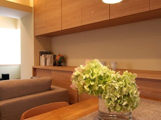 御所南の家 マンションリフォーム: 株式会社ローバー都市建築事務所が手掛けたリビングです。