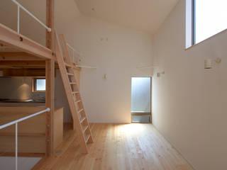 Salas de jantar modernas por (有)菰田建築設計事務所