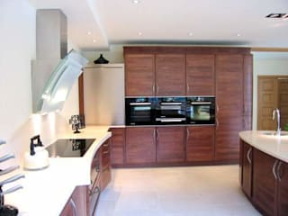 Bespoke kitchen design, Hampshire: modern Kitchen by Solent Kitchen Design Ltd