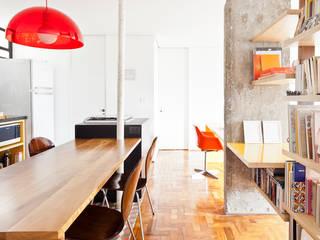 Apartamento Maria Antônia: Cozinhas  por Zemel+ ARQUITETOS
