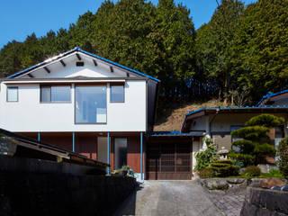 IMR RENOVATION: 川良昌宏建築設計事務所 Kawara Masahiro Architect Officeが手掛けた現代のです。,モダン