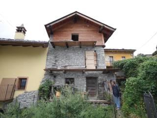 esterno lato sud:  in stile  di Agenzia San Grato di Marcoz Carlo
