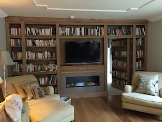 Home office/library by Hallwood Furniture