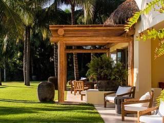 BR ARQUITECTOS Balcon, Veranda & Terrasse tropicaux