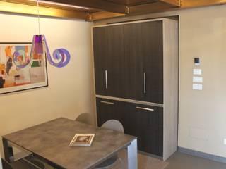 Cucina a scomparsa monoblocco da cm.140 con ante - chiusa:  in stile  di MiniCucine.com