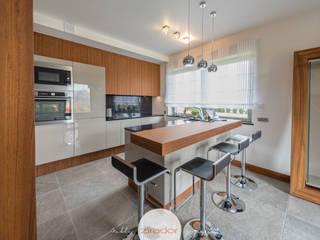 Meble do domu jednorodzinnego pod Krakowem: styl , w kategorii Kuchnia zaprojektowany przez Zirador - Meble tworzone z pasją