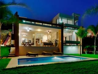 Excelencia en Diseño Modern balcony, veranda & terrace