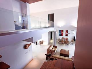 Pasillos, halls y escaleras minimalistas de AMEC ARQUITECTURA Minimalista