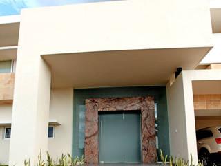 portico de AMEC ARQUITECTURA Minimalista