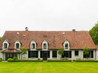 Casas estilo moderno: ideas, arquitectura e imágenes de FilipTackdesignoffice Moderno