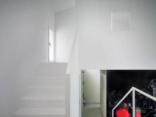 Casa de la Violinista Kawneer España Casas de estilo minimalista