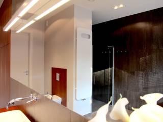master bathroom - projekt i wykonanie Anyform Nowoczesna łazienka od anyform Nowoczesny