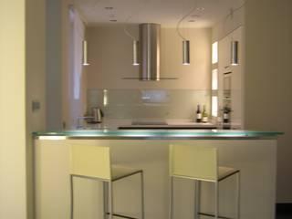 mieszkanie 02: styl , w kategorii Kuchnia zaprojektowany przez ARTEFEKT